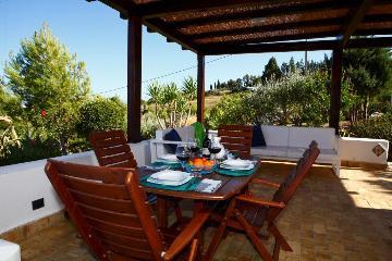 Rental villa / house desiree