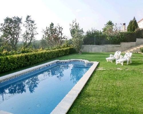 Villa / house Montbarbat to rent in Vidreres