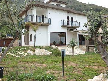 Italy : MED904 - Bella