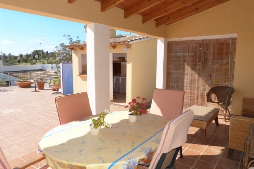 Rental villa / terraced or semi-detached house louisa