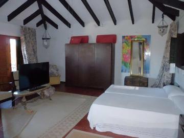 All bedrooms en suite villas