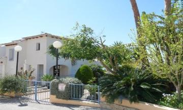 Villa / terraced or semi-detached house la virreina to rent in altea