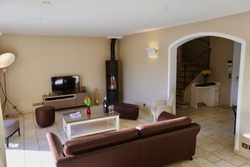 Reserve villa / house proche vence