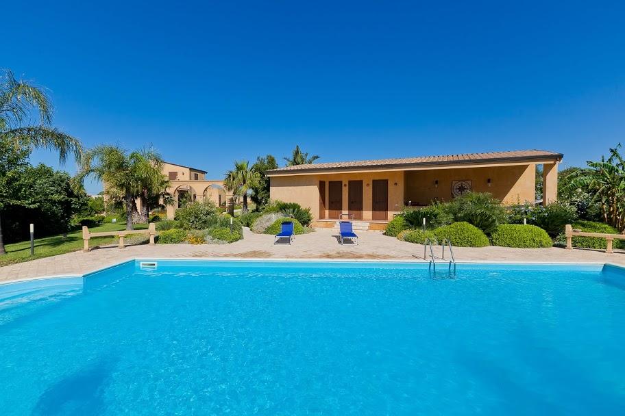 Location Villa Ile De R Ef Bf Bd Avec Piscine Pour  Personnes