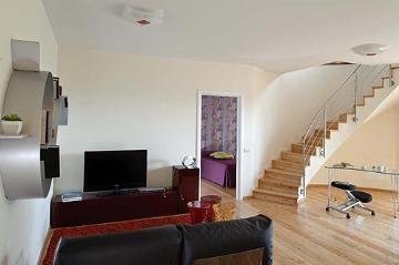 Villa / house grande to rent in viagrande