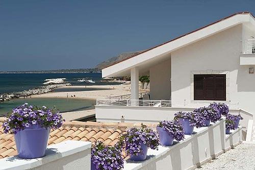 Logement dans villa / maison Terrasse sur mer 1 à louer à Trappeto