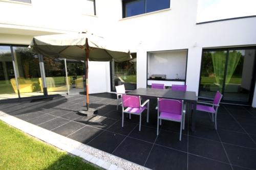 Property villa / house pomme cannelle