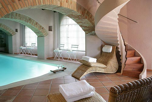 Location villa castellter ol 25 personnes clo1901 for Maison a louer avec piscine en espagne
