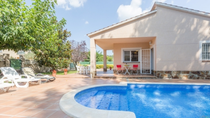 Villa / house Fortuna to rent in Vidreres