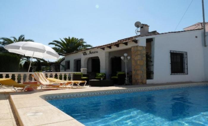Villa / Maison Antoinette à louer à Albir