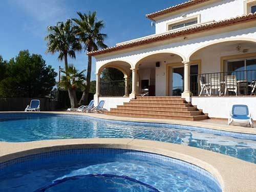 Villa / house Casa Orange to rent in Altea