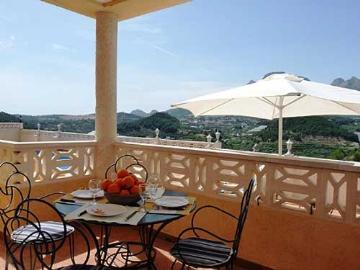 Property villa / house sierra maestra