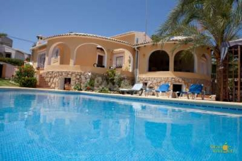 Villa / house amparo to rent in javea