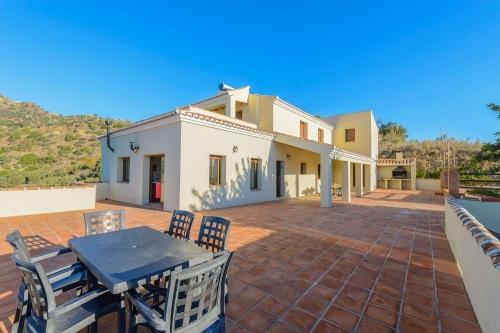 Property villa / house los poyatos