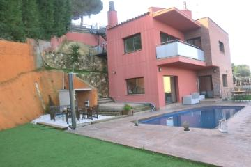 Villa / house April to rent in Blanes