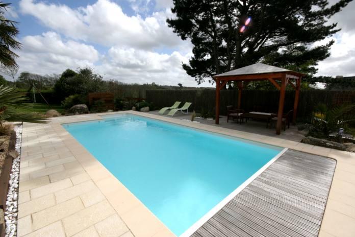 Location villa plounevez porzay 9 personnes b726 - Cout piscine chauffee ...