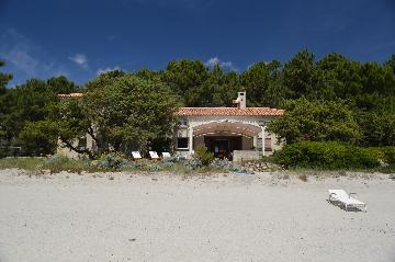 Reserve villa / house sur la plage