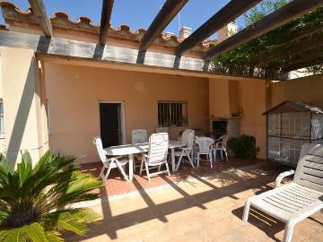 Villa / house mimosa to rent in ametlla de mar