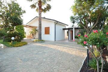 Property villa / house charming
