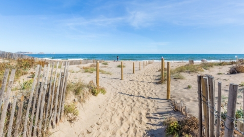 Property apartment pie de playa