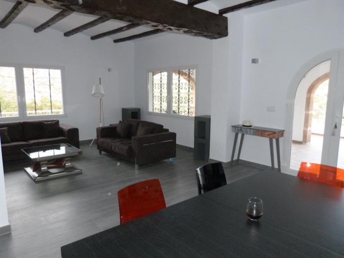 Reserve villa / house granadella