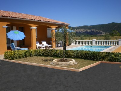 Villa / Maison naya à louer à Peyruis
