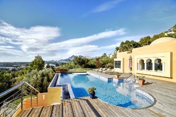 Villa / house La bella to rent in Altea