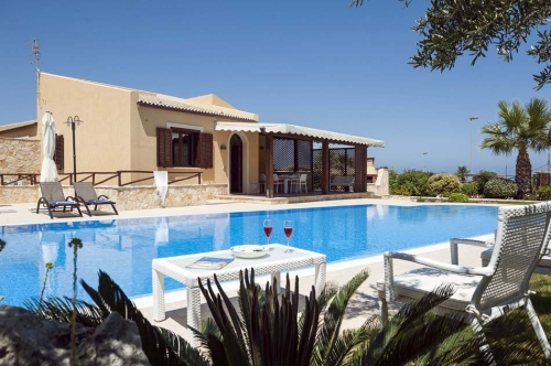 Villa / house Aphrodite to rent in Custonaci