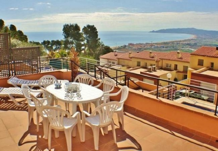 Villa / terraced or semi-detached house Torre moratxa to rent in Estartit