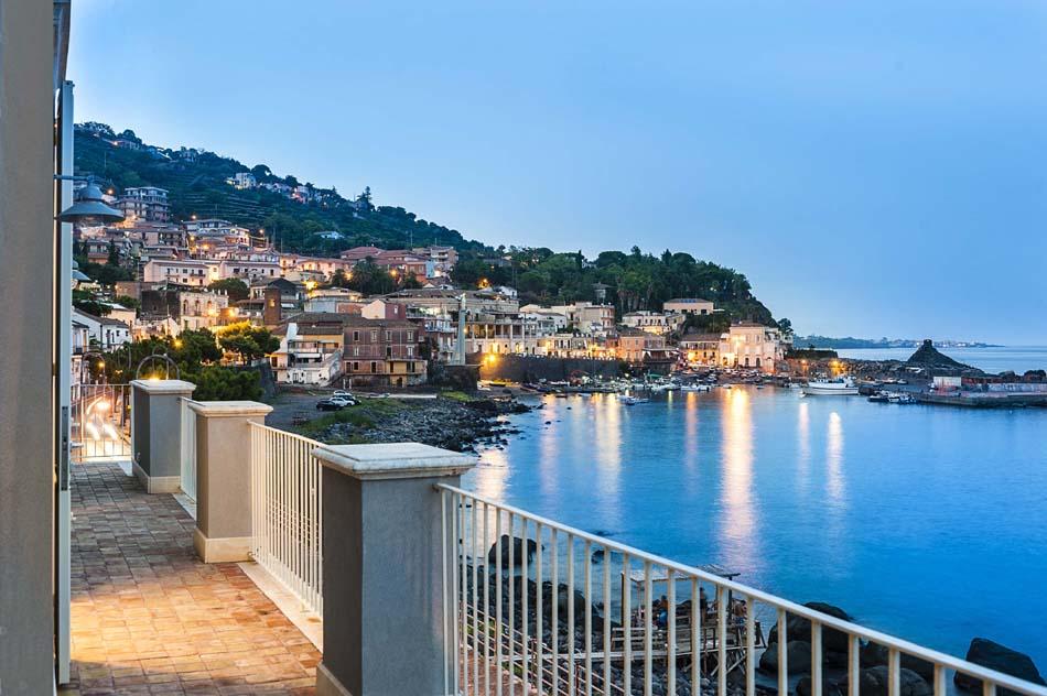 Villa / house Sur les vagues to rent in Acireale