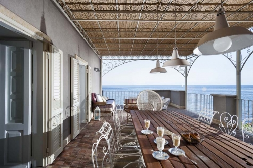 Villa / maison sur les vagues