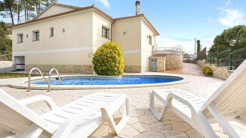 Villa / house carolina to rent in lloret de mar