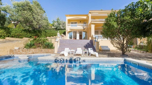 Reserve villa / house cora