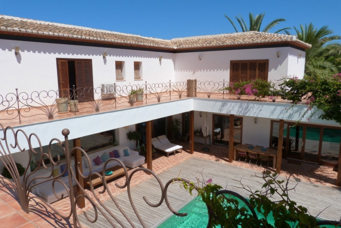 Villa / house Hislene to rent in Javea
