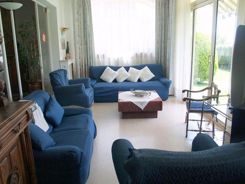 location villa grasse 9 personnes val066. Black Bedroom Furniture Sets. Home Design Ideas