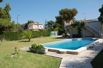 Rental villa / house mercedes