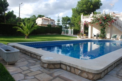 Villa / house Mercedes to rent in Ametlla de Mar