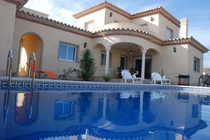 Villa / house Colombo to rent in Ametlla de Mar