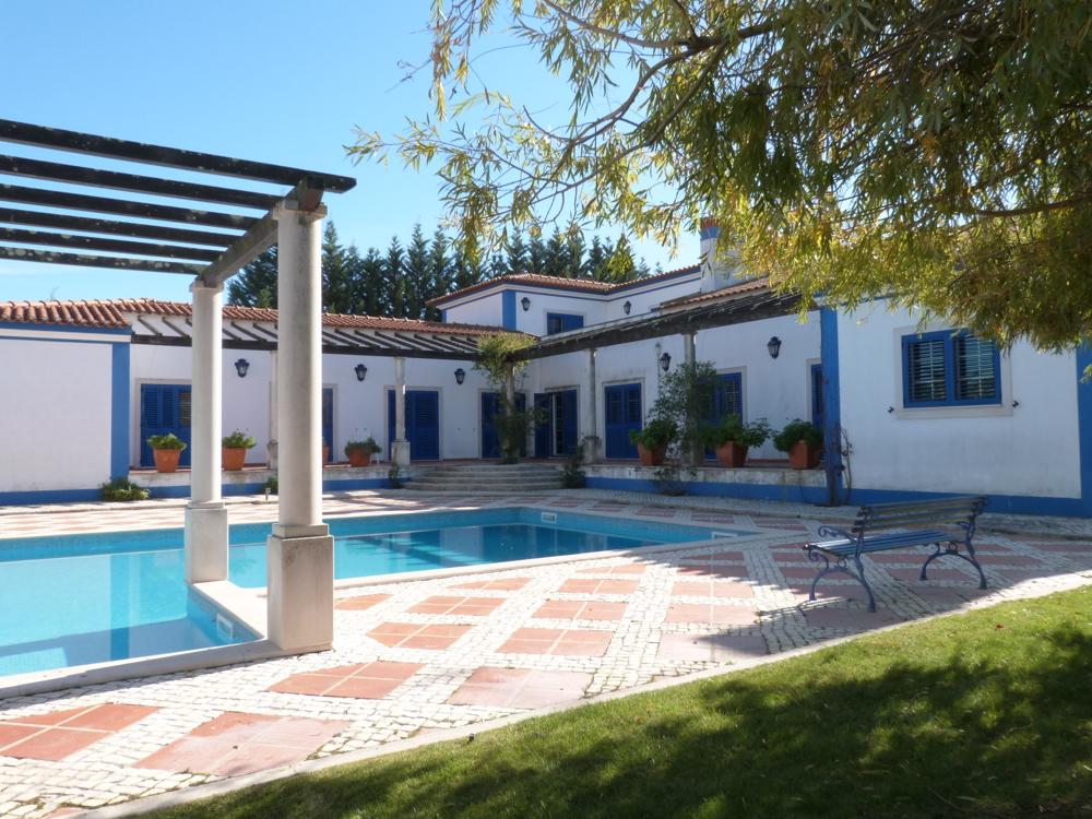Location villa lisbonne 9 personnes spl909 pr125 for Cuisine ouverte villa