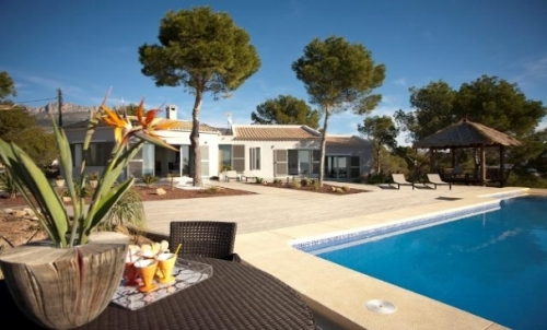 Villa / house LEVANTE to rent in Altea
