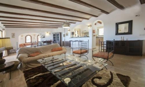 Property villa / house soraya