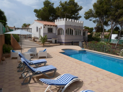 Villa / house azzulero to rent in javea