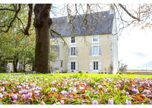 France : Cha13 - Chateau et tennis