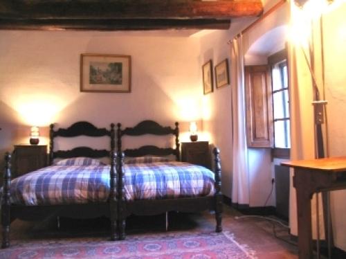 Reserve accommodation in a villa / house riudabella 31602