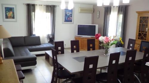 Reserve villa / house paraiso