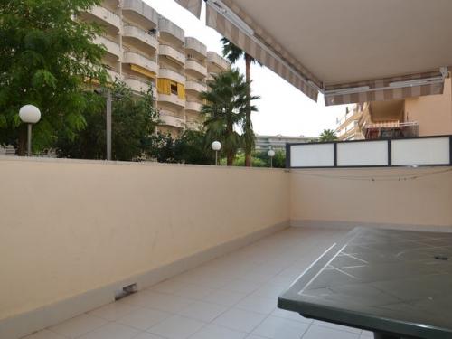Apartment ventura parc to rent in salou
