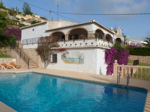 Reserve villa / house las pinturas