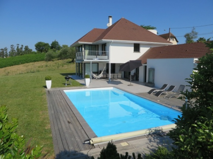 Villa / house Marianne to rent in Burgaronne