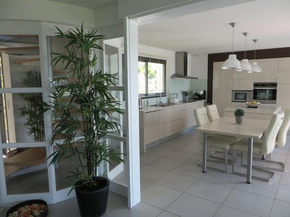 Villa / maison marianne à louer à burgaronne