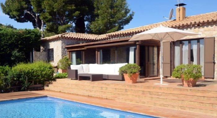 Villa / Maison Moreta à louer à Begur